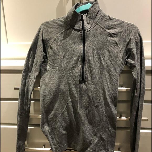 lululemon athletica Jackets & Blazers - Lululemon zippered pullover